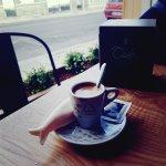 O dia só começa depois de um bom café, acompanhado de uma bela Sardinha Doce! Uma maravilha