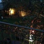 agreable jardin dans un environnement urbain