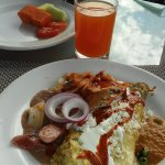 the juices and omlettes are amazing!