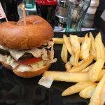 Foto de Lucky 7 Burgers & More