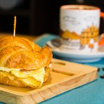 Descubra la porqué nuestros desayunos son los mejores en el Este de la capital.