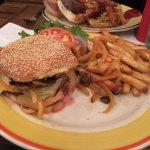 Photo de Island Burgers & Shakes