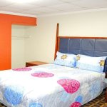 Find the perfect place to stay with all comforts and luxuries in hotel Americas Best Value Inn H