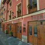 Hostería de 1642 con cordero al horno de leña, cocido y cocina castellana en salones rústicos