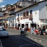 City streets in Taxco silver shop