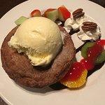 Foto de Lake Louise Station Restaurant