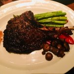 The Keg Steakhouse + Bar Dunsmuirの写真