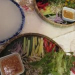 Rice paper rolling on your own, mix your own ingredients