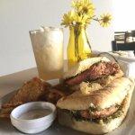 Photo of Yellow Cafe - Restaurante
