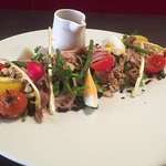 Un plat de saison, la salade nicoise, revisitée par notre chef !