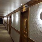 couloirs - nouvelle moquette, nouveaux luminaires