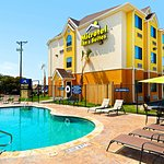Microtel Inn & Suites by Wyndham New Braunfels Photo