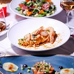 Λιγκουίνι Θαλλασινών / μπισκ / γαρίδες, χτένια / αυγοτάραχο #seafood #pasta #shrimp #scallops