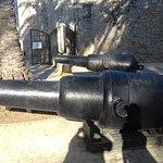 cañones dentro del fuerte