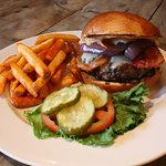 Highland Hollow Farm Beef Burger Deluxe
