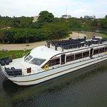 Garton's Ark Luxury Sailing Restaurant
