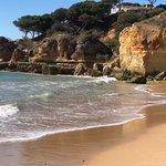 Praia dos Olhos de Água Foto