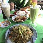 Photo de San Thi Dar Restaurant