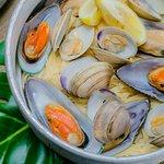 Clam & Mussel Steam Pot