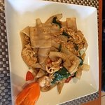 Kee Mao (Drunken Noodles) w/ chicken