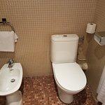 Clean, well presented bathroom