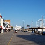 The boardwalk and Steel Pier just minutes away.