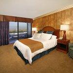 Photo of 456 Embarcadero Inn & Suites