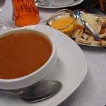 soupe de poisson avec sa rouille son gruyère etle pain grillé