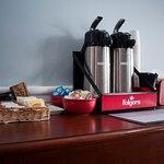Foto de Econo Lodge Inn & Suites South