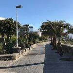 Promenade vor dem Hotel