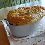 Braised steak casserole with pastry