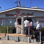 Malibu Seafood Cafe - entrance and line