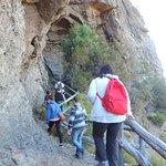 Buenas Pasarelas para llegar a las cavernas