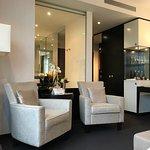 Sessel und Minibar