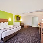 Days Inn & Suites by Wyndham Arcata