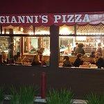 Gianni's Pizza_large.jpg