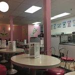 صورة فوتوغرافية لـ Loard's Ice Creamery