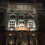 Teatern från utsidan
