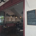 Foto de O Batignolles Wine Bar & French Bistrot