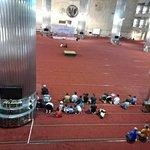Istiqlal-Moschee (Unabhängigkeitsmoschee) Foto