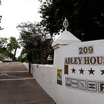 Adley House Aufnahme