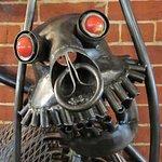 Weird and wonderful metal sculpture (2)
