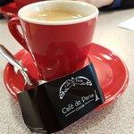 Une crêpe cassonade et un café au mystique Café de Paris, un dimanche de grand froid. Rien n'est