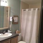 41C bathroom - Arbor Villas