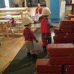 Little construction workers in Vintti