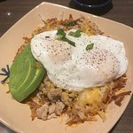 Snooze spuds deluxe w/ chicken sausage, avocado, & eggs