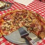 Grateful Head Pizza Oven & Tap Room Photo