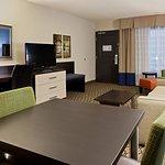 Photo of Holiday Inn & Suites Atlanta Airport - North