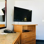 Large flatscreen TV in all the rooms 42 to 50 inch