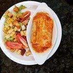 Ensalada y Canelones de pollo exquisita